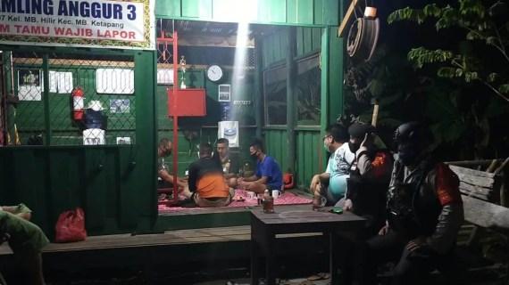 Tim Jelawat Polres Kotim Patroli Malam Hari dan Imbau Prokes