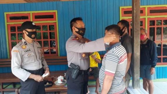 Polsek Antang Kalang Sosialisasi Tentang Prokes di Desa Tukang Langit