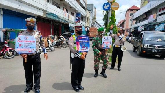Koramil Ketapang 1015-08 MB dan Sat Lantas Polres Kotim Gencar Sosialisasi Disiplin Prokes