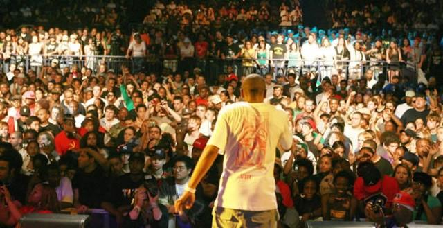 hip hop crowd