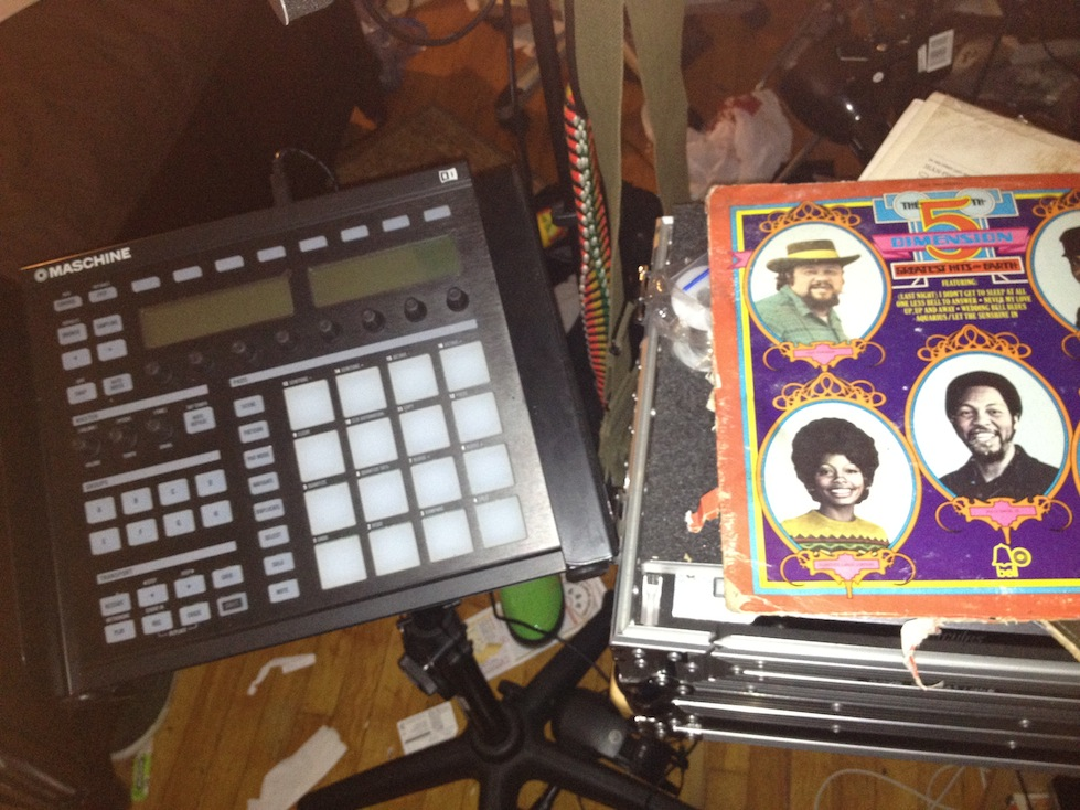 The Maschine and some records - key elements of music sampling