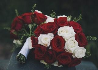 Brautstrauß-rote-rosen