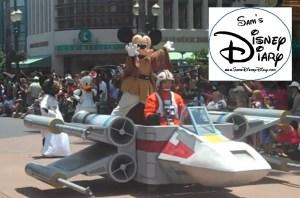 Jedi Mickey in the Celebrity Motorcade