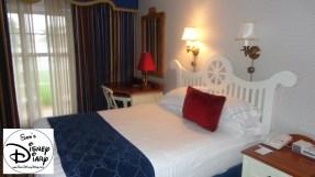 Queen bed in standard room