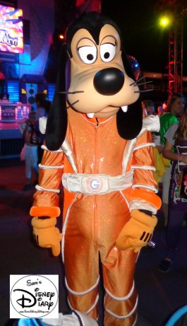 Goofy at one of the Mickey's No-So-Scary Halloween Party Dance Party's