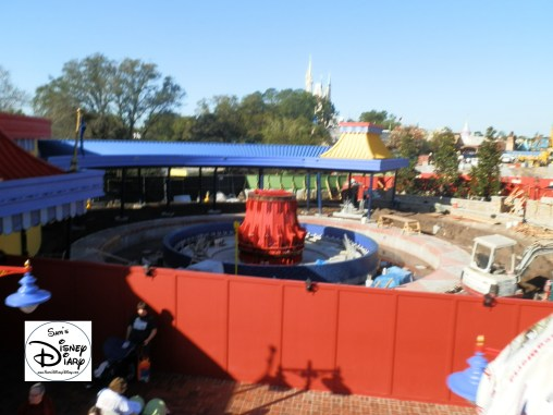 """SamsDisneyDiary Episode #10 - New Fantasyland Phase #1- The View of the """"Old Dumbo"""" that will be the """"Second New Dumbo"""", follow?"""