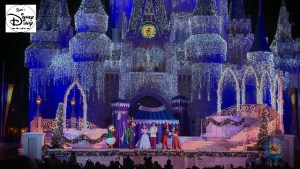 Sams Disney Diary #65 - From 2007 until 2013 Cinderella with the help of the Fairy Godmother turned on the Castle Christmas Lights.