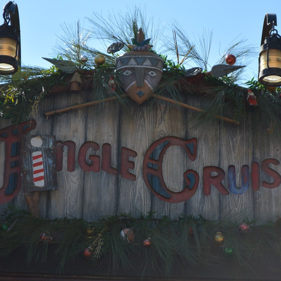 Sams Disney Diary Episode #66 - The Jingle Cruise - some lights, a few decorations and a single letter is all that's needed