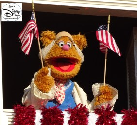 SamsDisneyDiary Episode #75 - The Muppets present Great Moments in American History. Fozzie Bear performs during Great Moments in American History