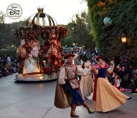SamsDisneyDiary 82: Disneyland Christmas Fantasy Parade - Disney Princesses