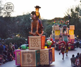 SamsDisneyDiary 82: Disneyland Christmas Fantasy Parade - Santa's Toyland -Woody