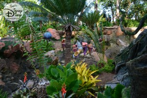 Even more interesting plant and animal life along the queue for The Na'vi River Journey