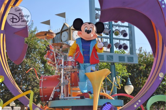 Disneyland Soundsational Parade - Mickey Mouse leads the parade with his full size drum set