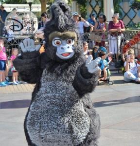 """Terk from Disney's Tarzan joins the """"Simba's Beastly Beats Parade unit"""