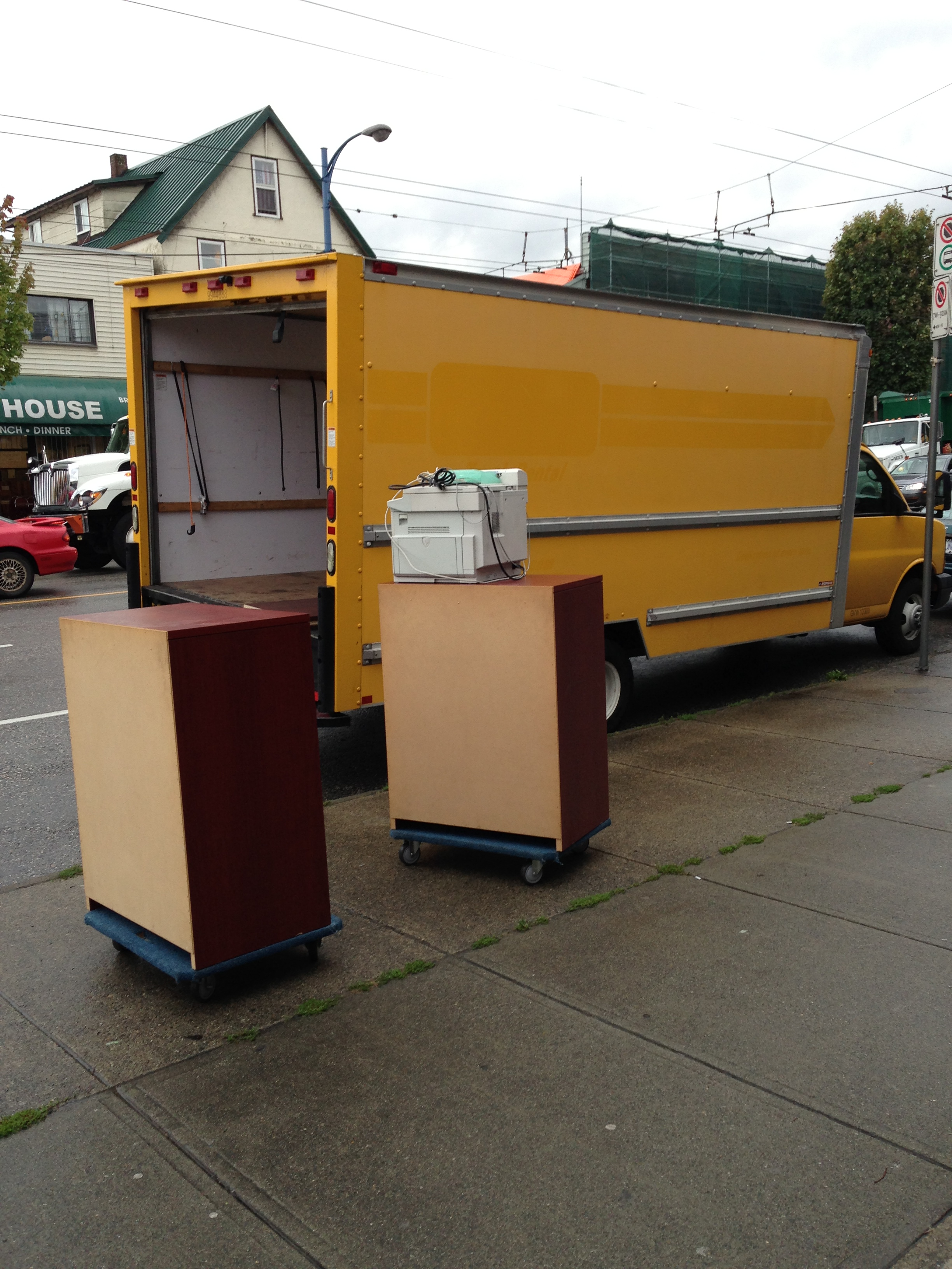 Speedy office furniture removal vancouver sam 39 s junk for Furniture removal