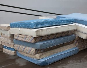 Cheap - Speedy Pull-out Sofa Bed removal, Mattress and Box spring removal and disposal