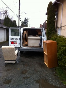OLD FURNITURE REMOVAL - QUICK MOVES - SINGLE ITEM PICKUP DROPOFFS