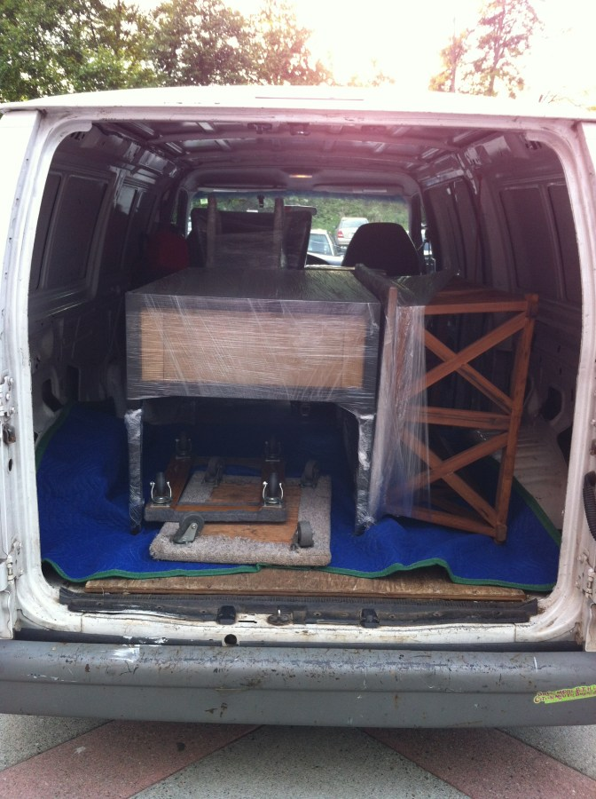 New Furniture Delivery   Household Goods: Beds, Armoires, Sofas, Tables, Dressers, TV's, etc