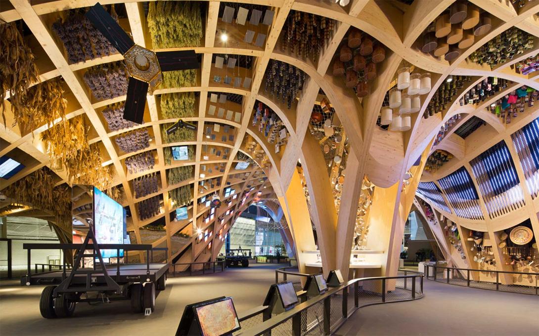 Architekten Haus offener Grundriss traditionale Elemente passive Abkühlung
