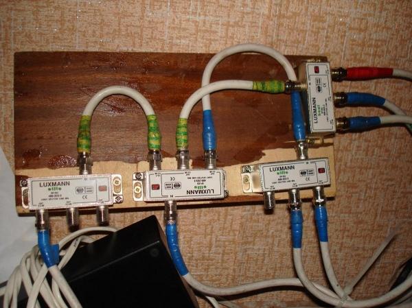 Как подключить 2 телевизора к 1 ресиверу. Как подключить 2 телевизора к цифровому телевидению?