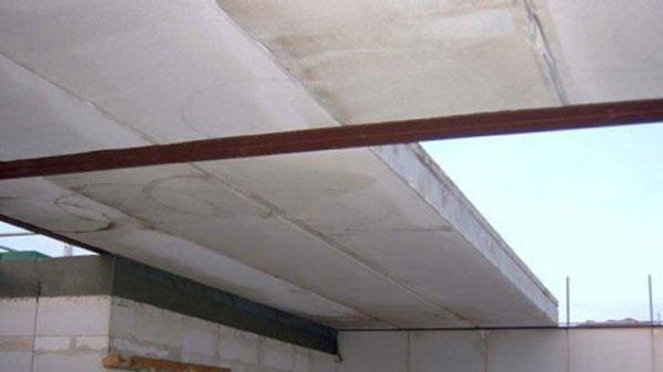 Потолок в доме из газобетона