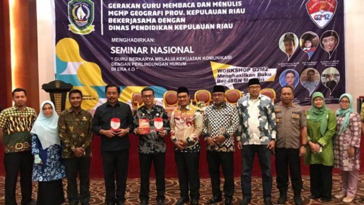 Kadisdik Kepri Hadiri Seminar Nasional PGRI