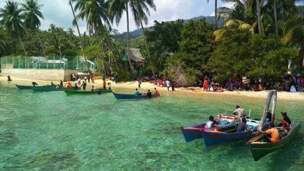 Bupati Kepulauan Anambas Membuka Lomba Pacu Pompong