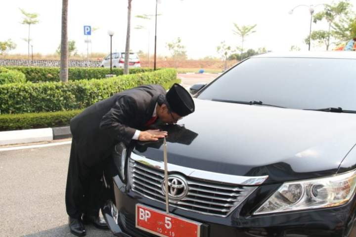 , Jumaga Nadeak, S.H Pimpinan DPRD Kepri Kembalikan Mobil Dinas, SamuderaKepri
