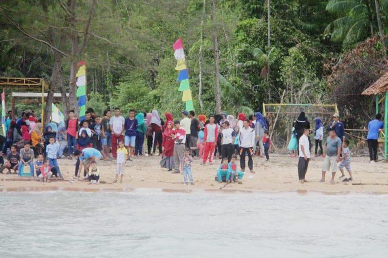 Wabub Lingga Resmikan Pantai Teluk Air Desa Sekanah Sebagai Destinasi Wisata Baru, SamuderaKepri