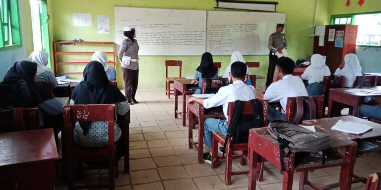 , Satlantas Polres Lingga Gelar Sosialisasi Tertib Berlalu Lintas di Sekolah, SamuderaKepri