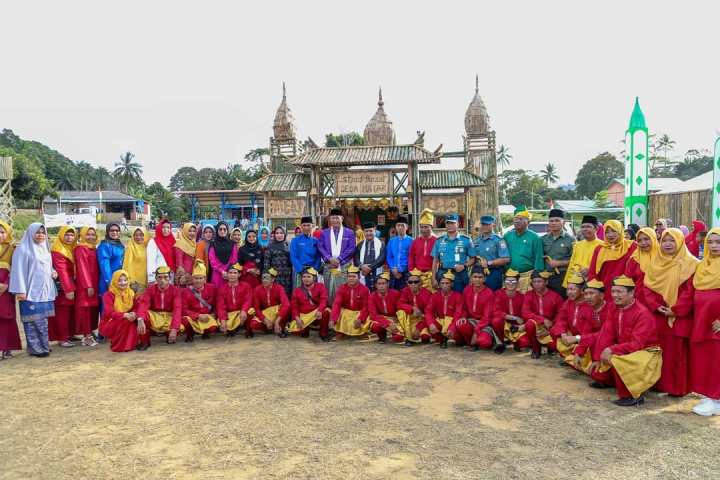 Pimpinan dan Anggota DPRD Anambas meresmikan MTQ Ke I Tingkat Kecamatan Kute Siantan