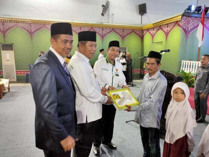 Sempena Hari Amal Bakti Kemenag ke-74, Bupati Kepulauan Anambas Resmikan Rumah Perdana RTLH BAZNAS KKA