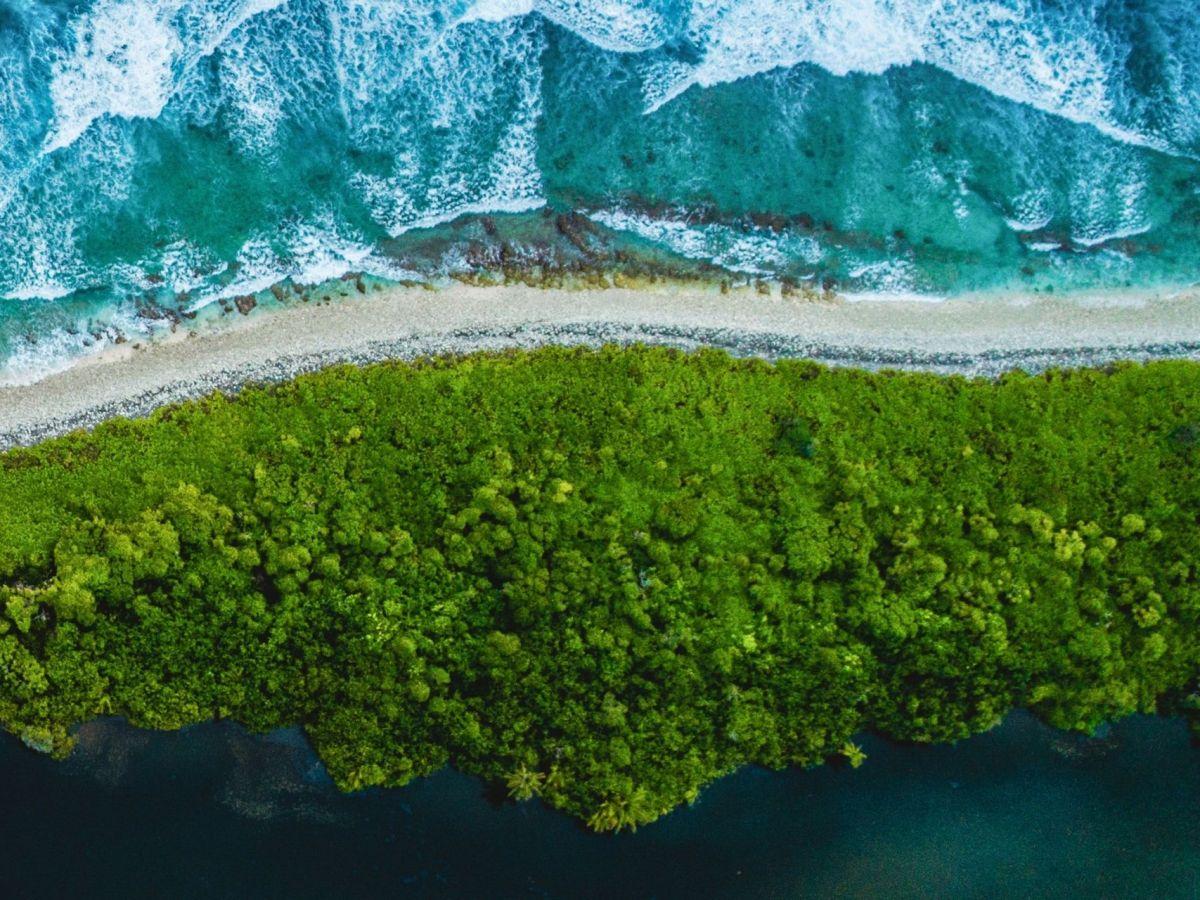 Addu / Seenu Atoll Maldives (Map, Airport Distance, Diving, History, Resorts & Weather)