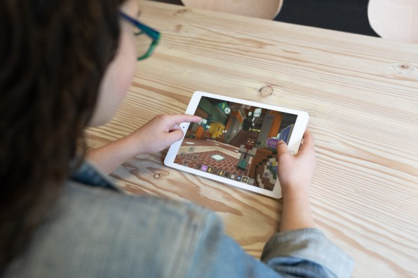 Hero-Photo_Minecraft-iPad-1
