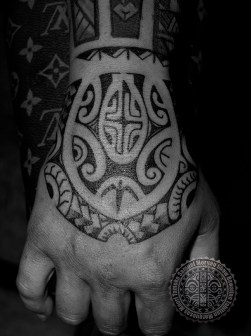 Marquesas style hand