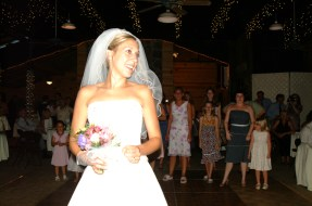 lining up for bouquet toss