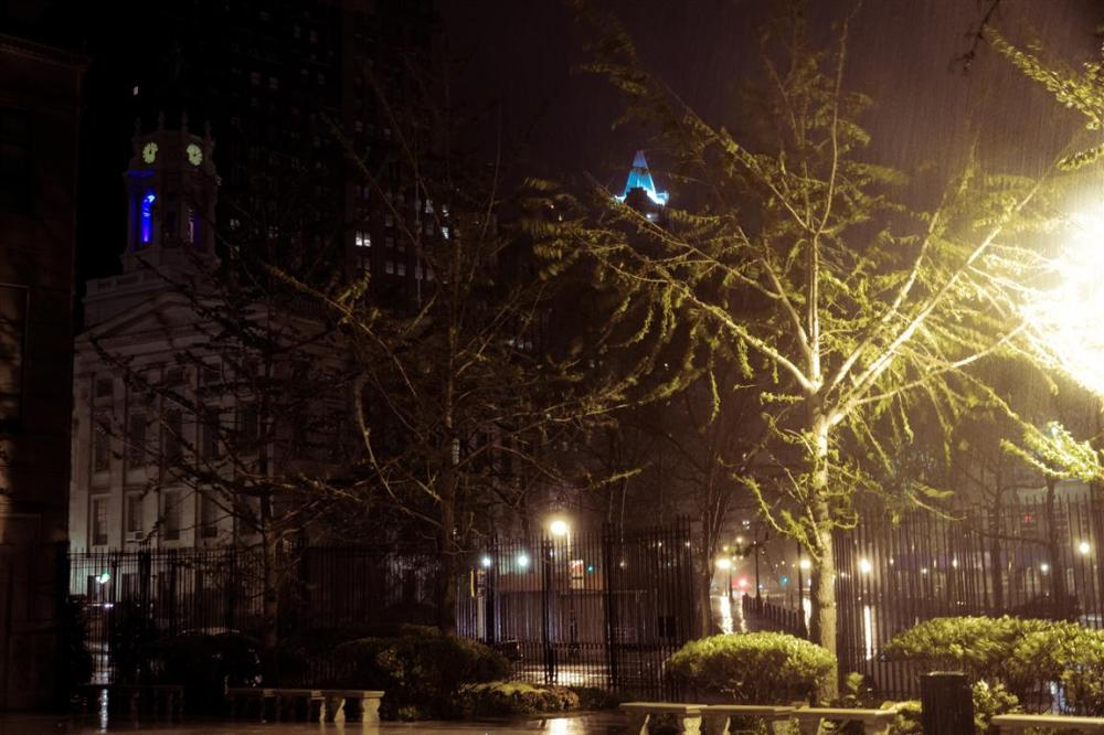 Sandy's torrential rain and its more than 100km/h winds!