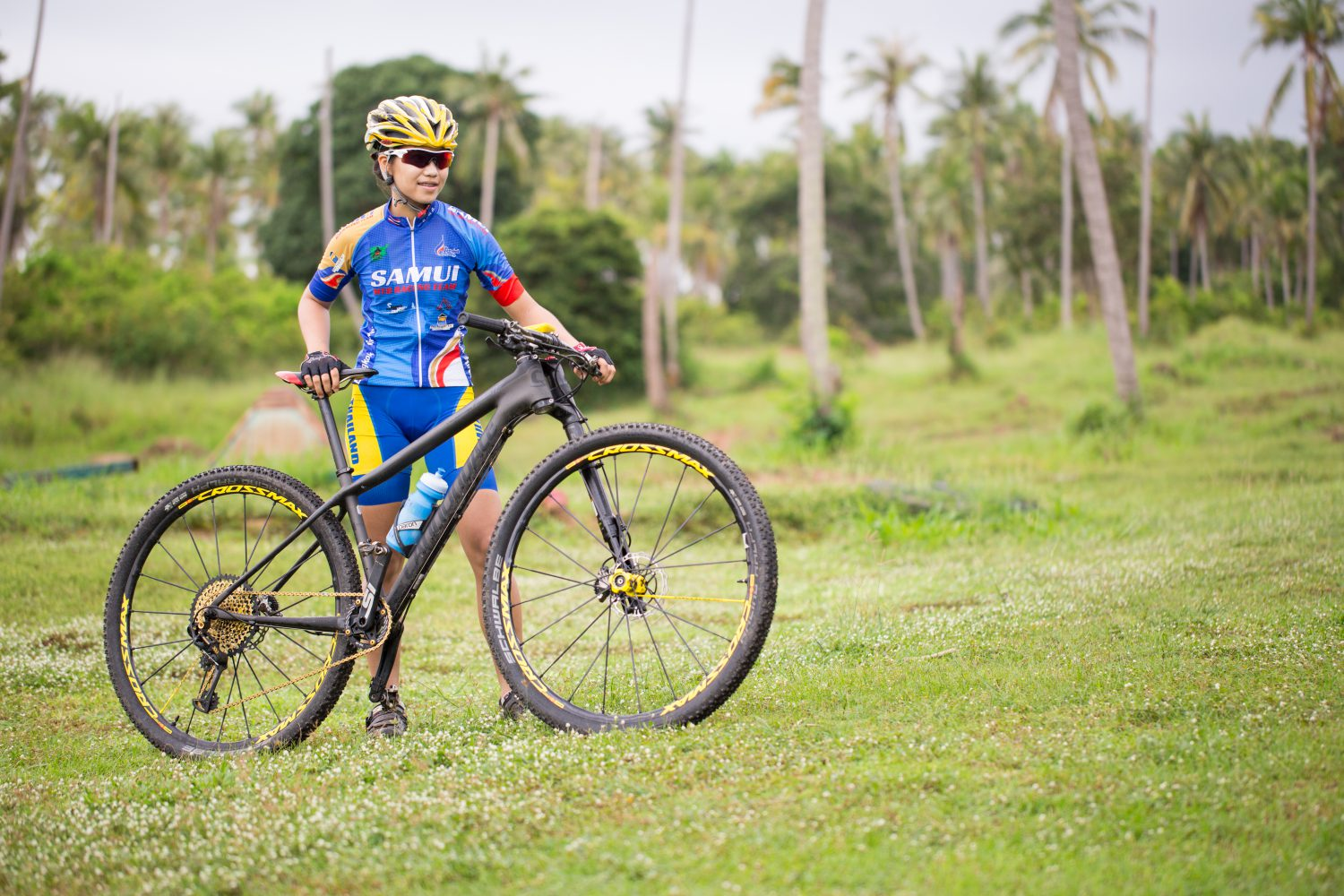 Natalie Panyawan mountainbiking Samui