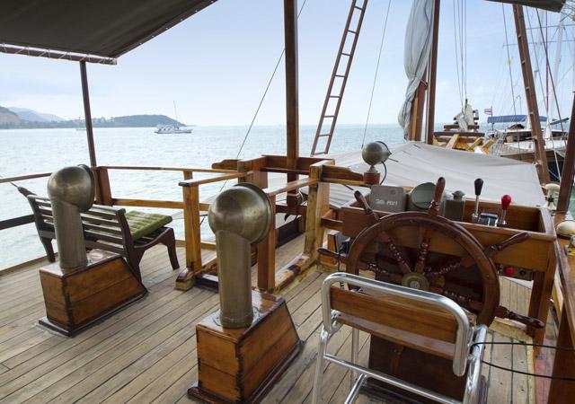 8-Baidee-captain-deck