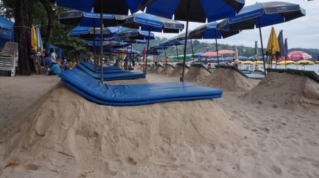 'เตียงทราย' โผล่หาดป่าตอง นายกเทศมนตรีรับไม่สวย แต่อยู่ในโซน 10% โดย ไทยรัฐออนไลน์ 21 ธ.ค. 2559 22:43