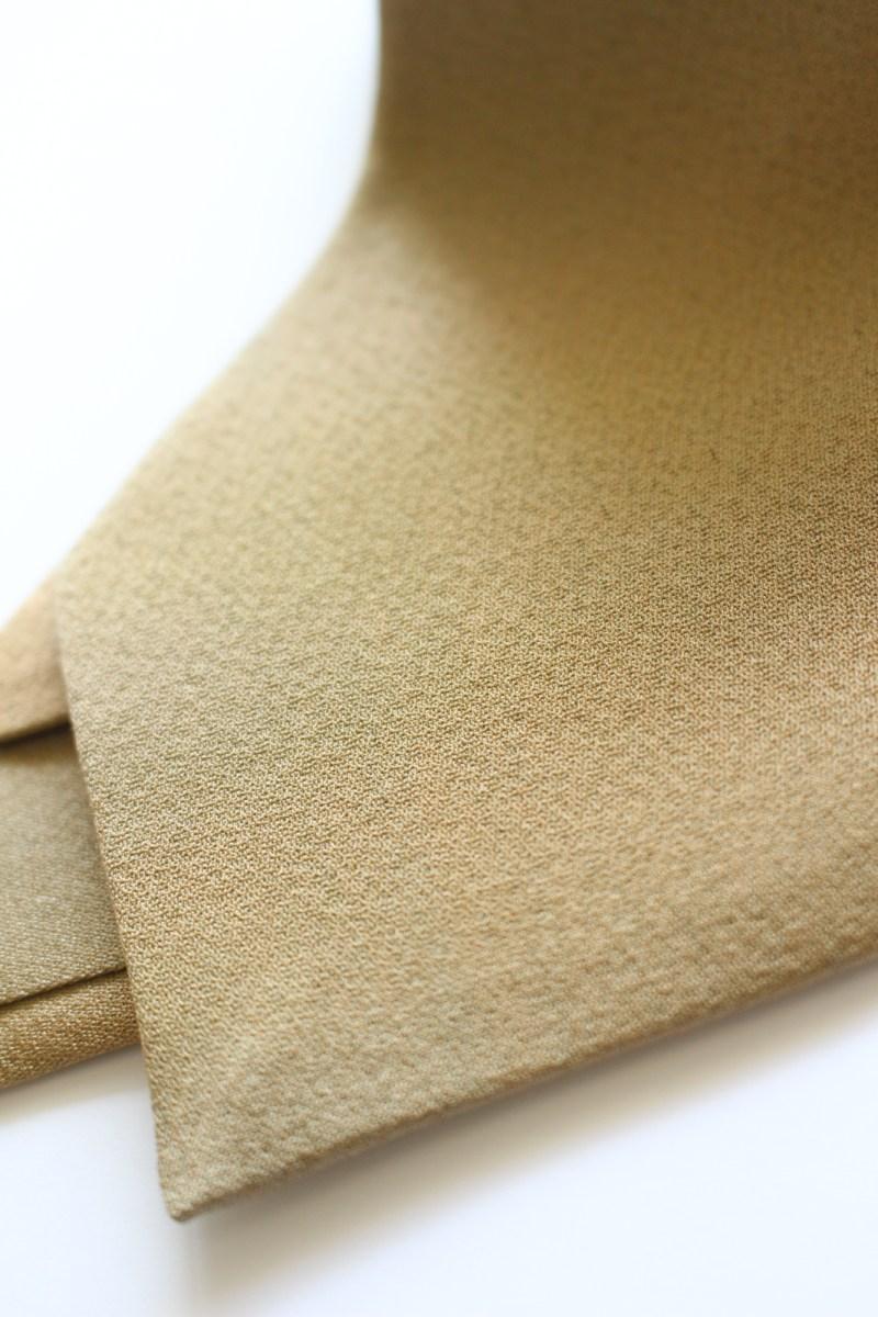 世界で数本 8cm幅ネクタイ 陰影無地 榛色 MU10019A