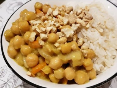 Curry de garbanzos y coco