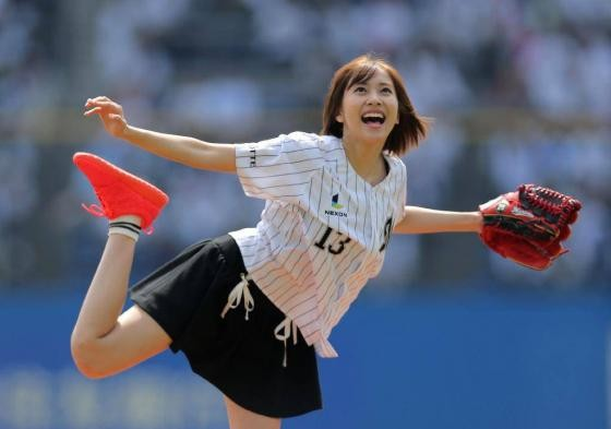 [Yes] image of Hinako Sano ceremonial first pitch wwwwww
