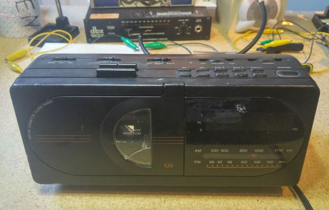 sears clock radio - LXI