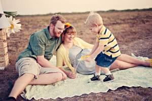 Maternity film shoot - picnic