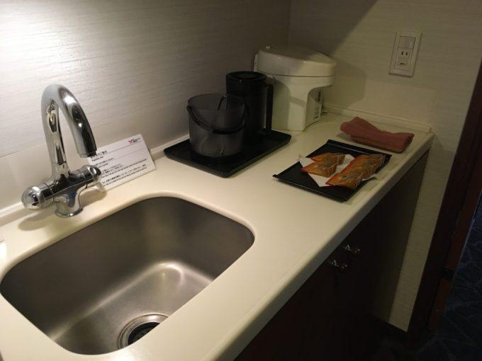 東急ハーベスト旧軽井沢の客室内のお茶などを淹れるスペース