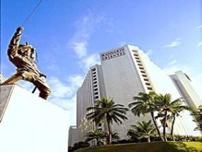 Mandarin_Oriental_Manila_Hotel_Hotel_Exterior17