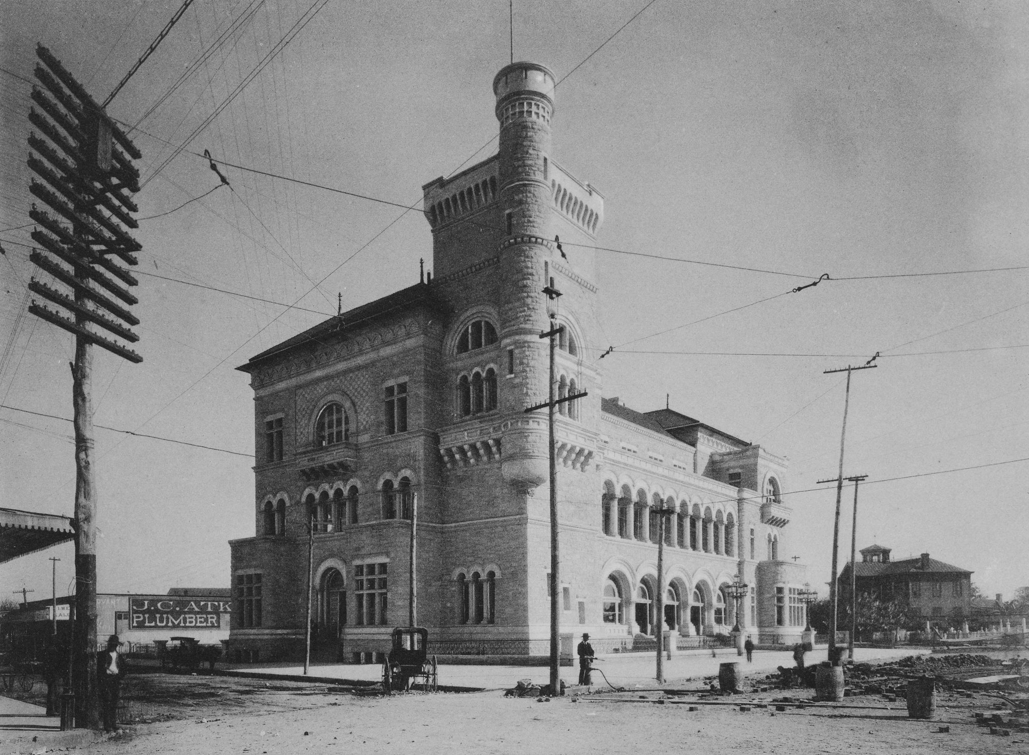 1892 U.S. Courthouse and Post Office. Photo courtesy the Albertype Company.