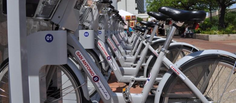The La Villita B-Cycle rack awaits customers. Photo by Iris Dimmick.