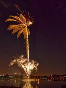 The fireworks at the Woodlawn Lake Fourth of July celebration. Photo by Kevin G. Saunders.